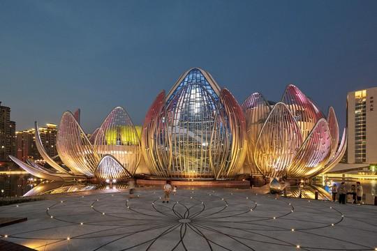 Những công trình kiến trúc kỳ lạ ở Trung Quốc - Ảnh 9.