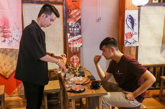 Quán cà phê kiểu Nhật cho khách tự pha chế ở TP HCM - Ảnh 7.