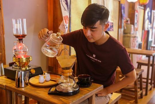 Quán cà phê kiểu Nhật cho khách tự pha chế ở TP HCM - Ảnh 8.