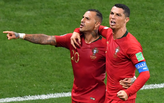 Bạn thân siêu sao Ronaldo lại đánh tiếng muốn đến V-League - Ảnh 2.