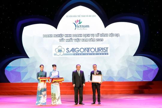 Lữ hành Saigontourist tiếp tục được vinh danh 4 Giải thưởng du lịch Việt Nam năm 2019 - Ảnh 1.