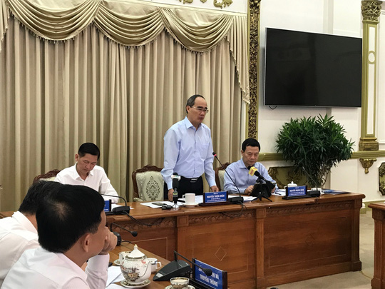 Bộ trưởng Bộ Thông tin và Truyền thông làm việc với TP HCM - ảnh 1