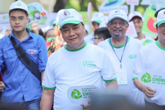 Thủ tướng Nguyễn Xuân Phúc khẳng định: Việt Nam quyết tâm chống rác thải nhựa - Ảnh 1.