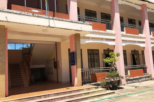 Về nơi có tỉ lệ học sinh đỗ tốt nghiệp THPT... 0% ở Quảng Ngãi - Ảnh 4.