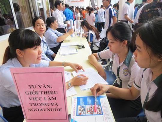 Phiên giao dịch việc làm lao động từ Hàn, Nhật trở về - Ảnh 1.
