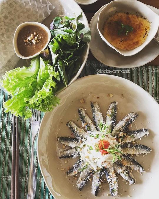 Ghẹ Hàm Ninh, nhum biển và 6 món hải sản ăn không chán ở Phú Quốc - Ảnh 2.
