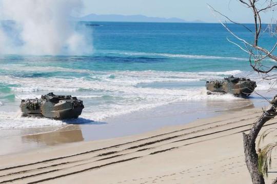 Mỹ - Úc tập trận trong sự dòm ngó của tàu Trung Quốc - Ảnh 2.