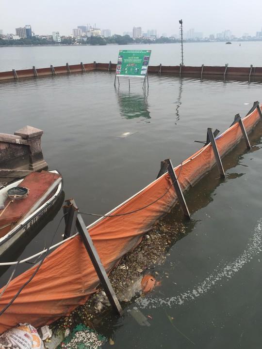 Nước hồ Tây đổi màu sau thí điểm công nghệ Nhật Bản - Ảnh 3.