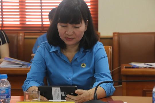 Tổng LĐLĐ Việt Nam tổ chức hội nghị không phát tài liệu bằng giấy - Ảnh 5.