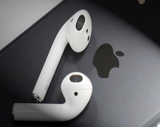 Apple chọn Việt Nam sản xuất thử nghiệm tai nghe Airpods? - Ảnh 1.