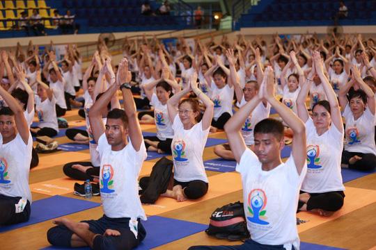 Yoga và bảo hiểm nhân thọ hỗ trợ đẩy lùi ung thư - Ảnh 1.