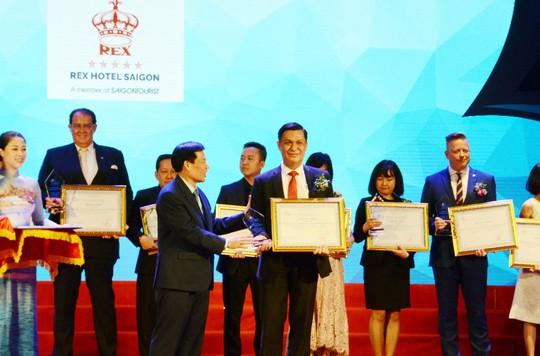"""Vinh danh Rex Sài Gòn là """"Khách sạn 5 sao tốt nhất Việt Nam"""" - Ảnh 1."""