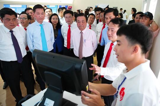 Khám phá bên trong siêu thị ảo đầu tiên tại Việt Nam - Ảnh 8.