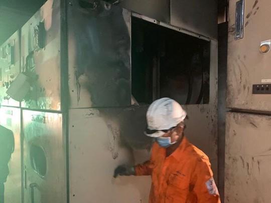 Đà Nẵng: Cháy trạm biến áp, khu vực Sơn Trà bị mất điện suốt 9 giờ liền - Ảnh 2.