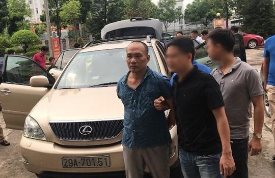Tong giam doc cong ty bat dong san di xe sang Lexus trom cap tai tru so co quan nha nuoc