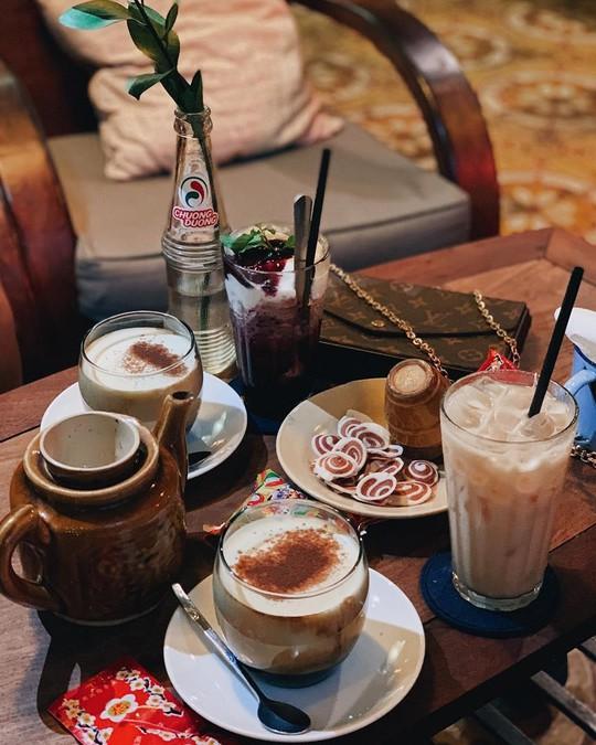 Truy lùng những quán cà phê giúp bạn tìm lại thanh xuân ở TP HCM - Ảnh 18.