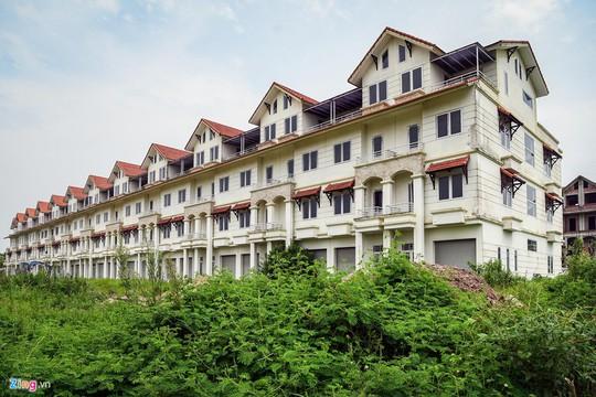 Hàng trăm căn biệt thự hiện đại kiểu Pháp bị bỏ hoang 12 năm - Ảnh 16.