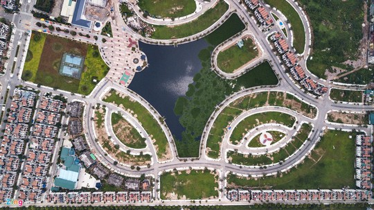 Hàng trăm căn biệt thự hiện đại kiểu Pháp bị bỏ hoang 12 năm - Ảnh 12.