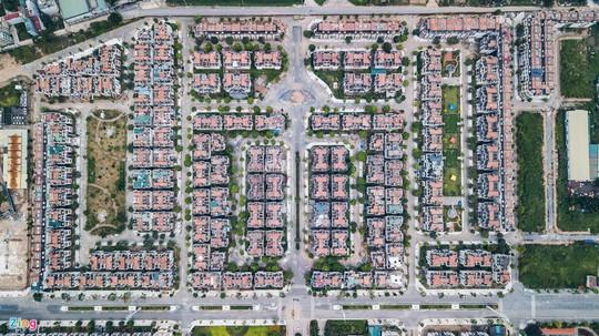 Hàng trăm căn biệt thự hiện đại kiểu Pháp bị bỏ hoang 12 năm - Ảnh 4.