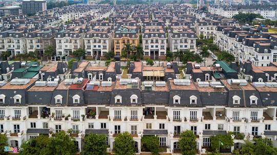 Hàng trăm căn biệt thự hiện đại kiểu Pháp bị bỏ hoang 12 năm - Ảnh 5.