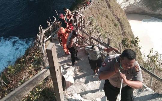 Một du khách Việt Nam bị sóng lớn cuốn trôi ở đảo Bali - Ảnh 1.