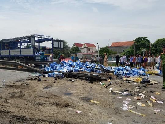 Clip: Nhân chứng nói gì về vụ tai nạn thảm khốc ở Hải Dương? - Ảnh 8.