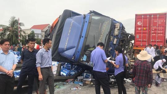 Vụ 7 người thương vong do đứng xem tai nạn: Đừng đổ hết lỗi cho nạn nhân! - ảnh 1