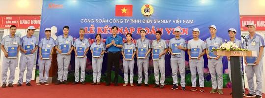 CÔNG TY TNHH ĐIỆN STANLEY Việt Nam: Kết nạp thêm 150 đoàn viên mới - Ảnh 1.