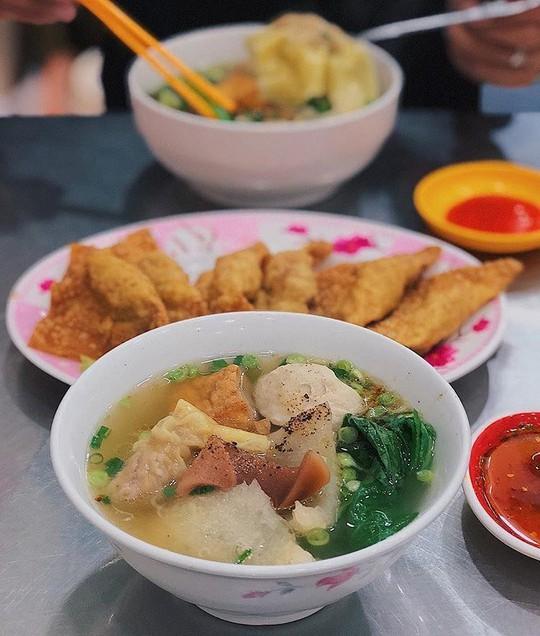 Truy lùng 6 khu ẩm thực về đêm ở TP HCM - Ảnh 14.