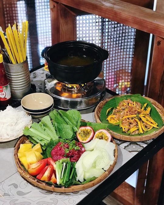 Truy lùng 6 khu ẩm thực về đêm ở TP HCM - Ảnh 16.