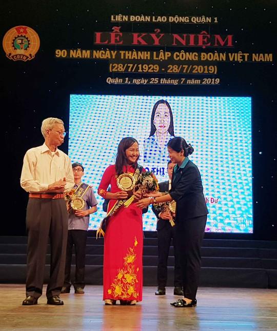 Trao Giải thưởng Lưu Chí Hiếu cho cán bộ Công đoàn, CNVC- LĐ tiêu biểu - Ảnh 1.