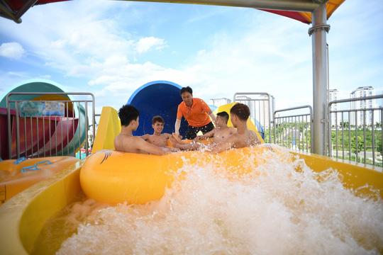 Khám phá công viên nước siêu hot phía Tây Hà Nội - Ảnh 3.