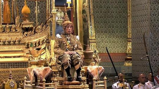 10 tỷ phú hoàng gia giàu nhất hành tinh - Ảnh 10.