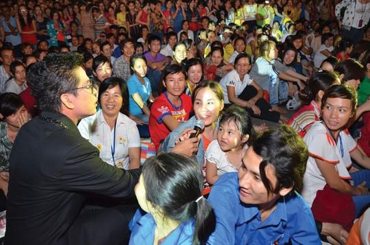 Giải Mai Vàng 25 năm: Quà Xuân ý nghĩa cho công nhân đón Tết xa quê - Ảnh 4.