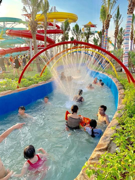 Công viên nước Thanh Hà gây sốt trên mạng xã hội - Ảnh 6.