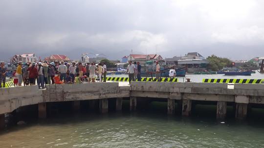 Tìm thấy thi thể 4 ngư dân mất tích trên biển Ninh Thuận - Ảnh 1.
