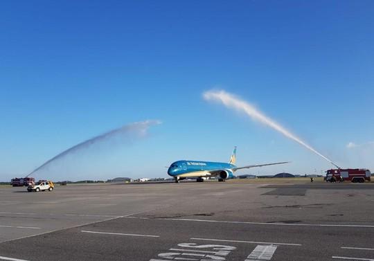 Bay Nga bắt đầu chuyển sang sân bay Sheremetyevo - Ảnh 1.