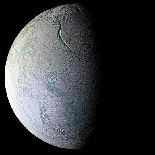 Một mặt trăng ngoài hành tinh đang đến tuổi sinh ra sự sống - Ảnh 2.