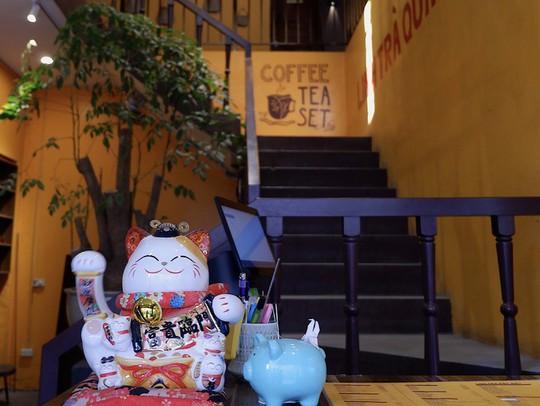 Quán trà đắt khách sau khi lên phim Về nhà đi con - Ảnh 2.