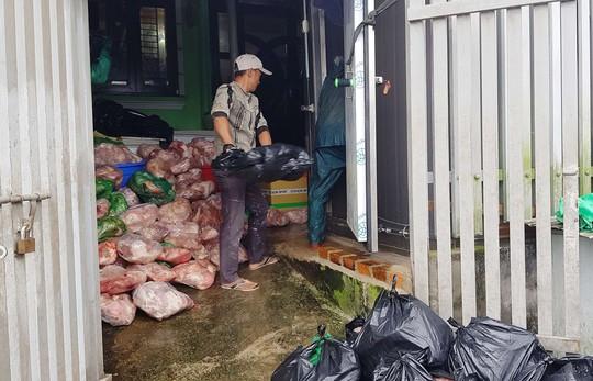Thất kinh phát hiện khối lượng lớn thịt heo thối tại cơ sở kinh doanh Đà Lạt - Ảnh 5.