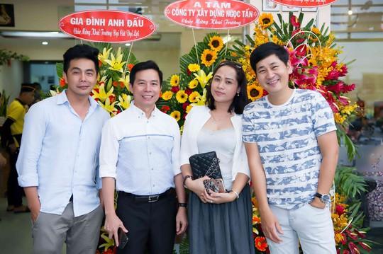 Diễn viên Đoàn Minh Tài khai trương nhà hàng Kiu B 88 chi nhánh 3. - Ảnh 1.