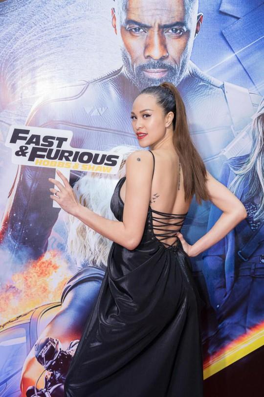 Sao Việt đọ sắc tại buổi ra mắt phim bom tấn của The Rock - Ảnh 9.