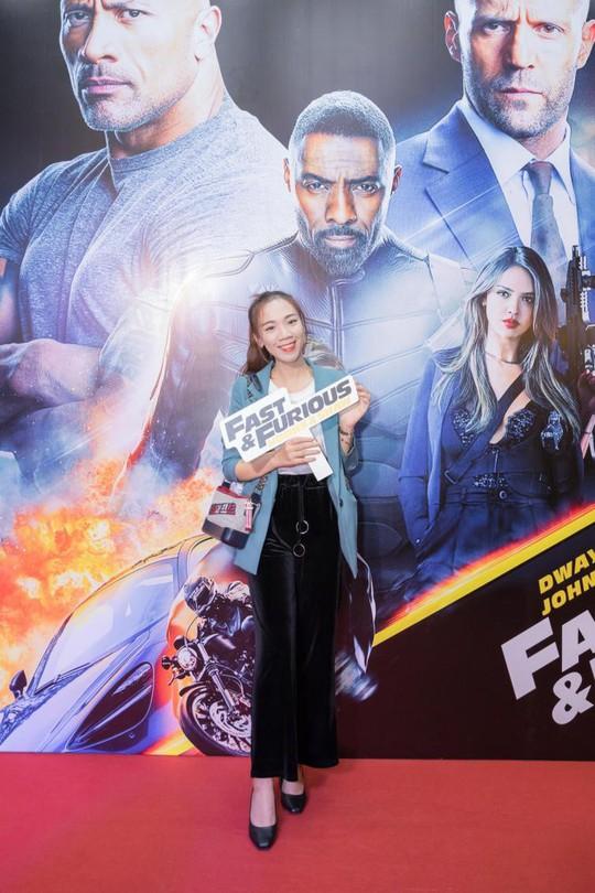 Sao Việt đọ sắc tại buổi ra mắt phim bom tấn của The Rock - Ảnh 5.