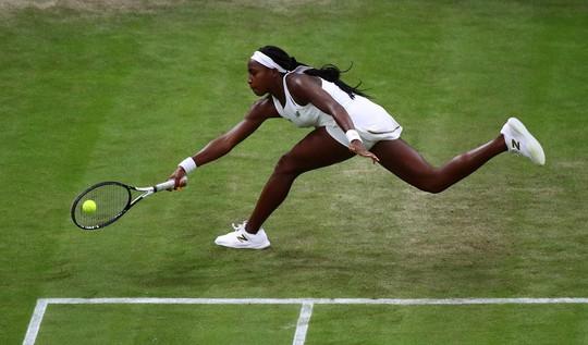 Nữ tay vợt 15 tuổi vào vòng 3 Wimbledon - Ảnh 2.