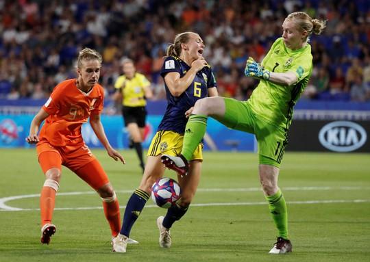 Hà Lan vào chung kết World Cup nữ nhờ bàn thắng vàng - Ảnh 5.