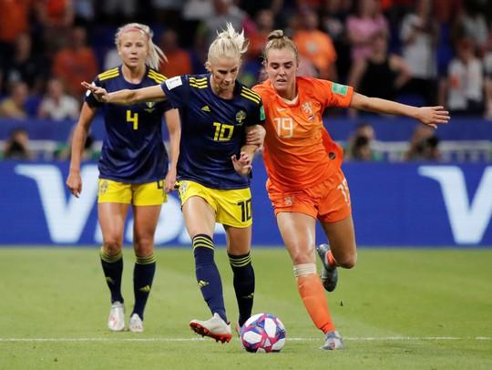 Hà Lan vào chung kết World Cup nữ nhờ bàn thắng vàng - Ảnh 3.