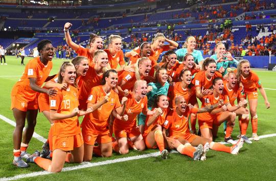 Hà Lan vào chung kết World Cup nữ nhờ bàn thắng vàng - Ảnh 7.