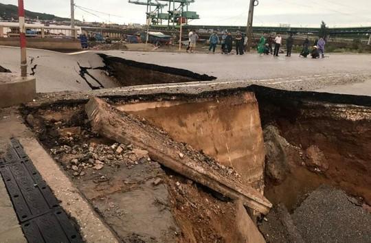 Hố tử thần xuất hiện trong bão số 2 nuốt 5 người đi đường, 2 vợ chồng tử vong - Ảnh 5.