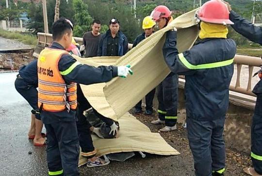Hố tử thần xuất hiện trong bão số 2 nuốt 5 người đi đường, 2 vợ chồng tử vong - Ảnh 10.