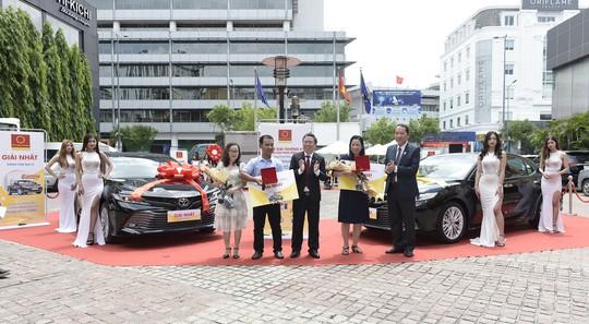 Tập đoàn Hoa Sen trao thưởng Mua Ống nhựa Hoa Sen – Trúng ô tô Camry kỳ 1 - Ảnh 2.